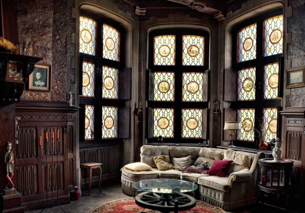 victorian-gothic-living-rooms-ideas